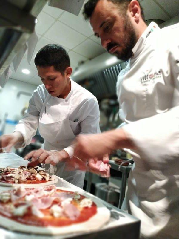 Pizzería Italiana Vittoria: Cocina
